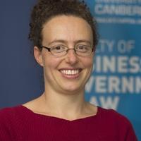 Lorana Bartels