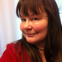 recension mogen kvinna litet bröst i stockholm